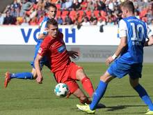Mathias Wittek (in rot) wurde vom DFB-Sportgericht gesperrt
