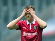 Waldemar Anton kehrte verletzt von der U21 nach Hannover zurück