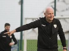 Kennt sich mit afrikanischen Fußballprofis aus:Trainer-Weltenbummler Otto Pfister