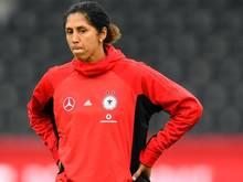 Bundestrainerin Steffi Jones testet die DFB-Auswahl in den USA