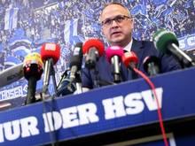 FrankWettstein stärkt Thomas vonHeesen den Rücken