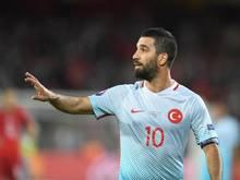 Arda Turan wurde nach einem Angriff auf einen Linienrichter in einem Ligaspiel für 16 Süperlig-Spiele gesperrt