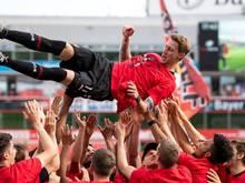 Leverkusens Profis lassen Stefan Kießling zum Abschied hochleben