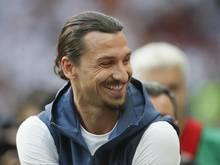 Schwedens Ex-Nationalspieler Zlatan Ibrahimovic stichelt gegen seine ehemaligen Kollegen