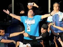 Zog auf der Tribüne eine große Show ab: Diego Maradona