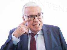 Klaus-Michael Kühne sagt Zweitligisten eine bessere Zukunft voraus