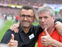 Verstehen sich: Fortuna-Coach Friedhelm Funkel (r) und FCN-Trainer Michael Köllner