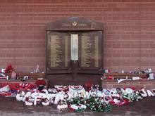 Ein Gedenkstein erinnert an die Opfer der Hillsborough-Katastrophe aus dem Jahr 1989