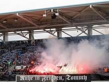 Im Stadion des Chemnitzer FC durfte für einen rechtsextremen eine Trauerbekundung stattfinden