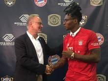 Bayern-Boss Karl-Heinz Rummenigge und US-Footballstar DeAndre Hopkins