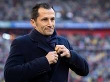 Bayerns Sportdirektor sieht sich nach der Niederlage in Mönchengladbach in der Trainerfrage nicht unter zusätzlichem Druck