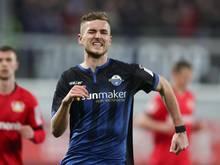 Der Einsatz von Paderborn Dennis Srbeny im Spiel gegen den SC Freiburg ist fraglich