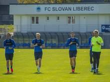 Fußballspieler des FC Slovan Liberec nehmen am ersten Training teil