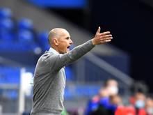 Augsburgs Trainer Heiko Herrlich hofft auf einen Sieg gegen den SC Paderborn