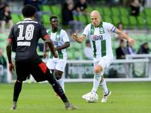 Musste gegen Eindhoven schon nach 29 Minuten vom Platz: Groningens Arjen Robben