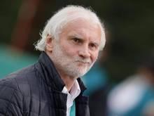 Der Bayer-Geschäftsführer Sport, Rudi Völler, stellt noch Verstärkungen in Form von Zugängen in Aussicht