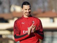 Milans Superstar Zlatan Ibrahimović fordert die Menschen auf, sich an die Corona-Schutzregeln zu halten. Foto: Spada/LaPresse/AP/dpa