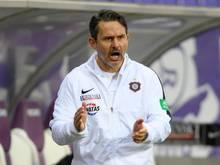 Fürchtet, dass ein Graben entstehen kann, zwischen Profifußball und Fans: Aues Trainer Dirk Schuster