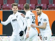 Augsburger Matchwinner gegen Union: Florian Niederlechner (l.)