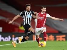Legt wert auf gepflegte Haare: Joelinton (l.) von Newcastle United in Aktion