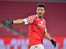 Der Mainzer Karim Onisiwo wurde nach der Partie gegen Borussia Mönchengladbach rassistisch beleidigt. Foto: Torsten Silz/dpa