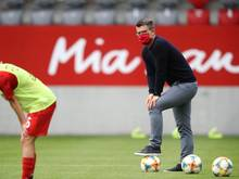Will mit Bayerns Fußball-Frauen den Titel nach München holen: Trainer Jens Scheuer