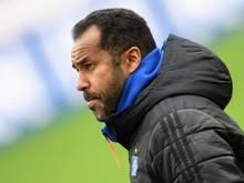 Will sich mit möglichen Spielverlegungen in der 2. Liga nicht beschäftigen: HSV-Trainer Daniel Thioune