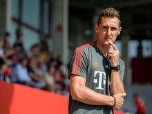 Weltmeister Miroslav Klose hat den Fußball-Lehrer-Lehrgang beim DFBerfolgreich absolviert