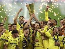 Villarreals Spieler feiern den erstmaligen Sieg in der Europa League