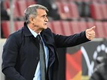 Erhofft sich zusätzliche Motivation für seine Mannschaft durch das Eröffnungsspiel: Türkei-Trainer Senol Günes