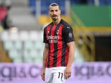 Stürmerstar Zlatan Ibrahimovic wurde am Knie operiert.