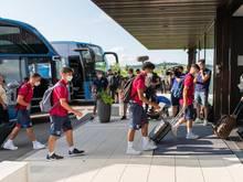 Die Spieler des FC Barcelona bei der Ankunft in Donaueschingen