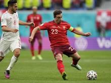 Der Schweizer Nationalspieler Xherdan Shaqiri (r) wird Liverpool wohl verlassen
