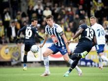 Der Karlsruher SC hat Abwehrspieler Daniel O'Shaughnessy (M.) vom finnischen Club HJKHelsinki verpflichtet