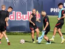 Angelino tritt mit RB auf Manchester City