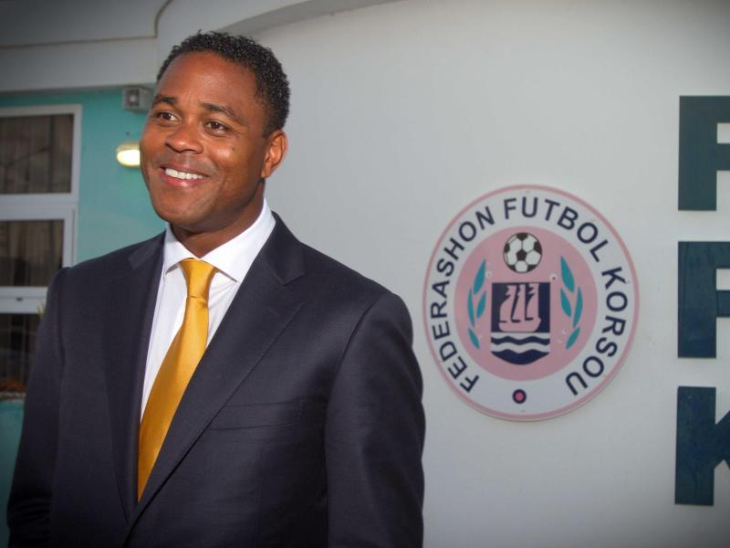 Patrick Kluivert hat mit Curacao die zweite Runde der WM-Qualifikation erreicht