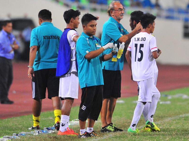 Gerd Zeise ist Trainer der u20 Nationalmannschaft von Myanmar