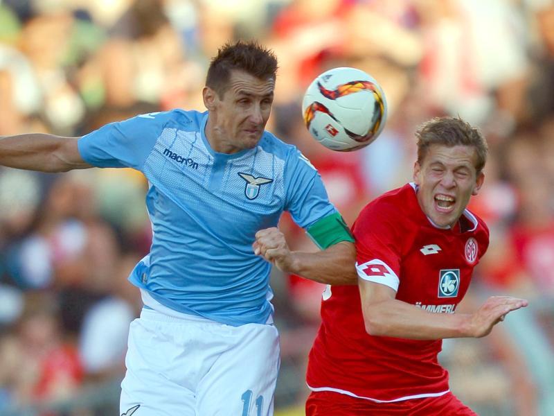 Beim Testspiel in Mainz konnte Miroslav Klose mit Lazio noch nicht voll überzeugen