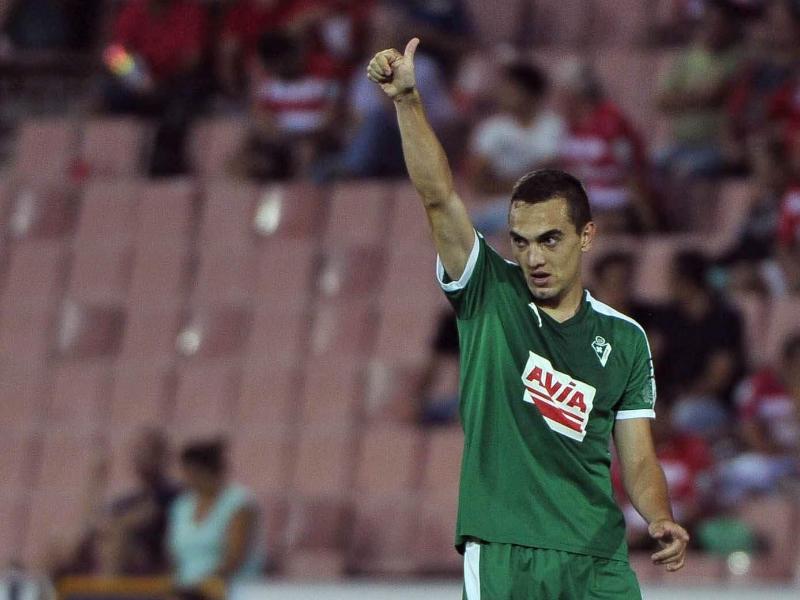 Eibar-Profi Gonzalo Escalante feiert seinen Treffer in Granada