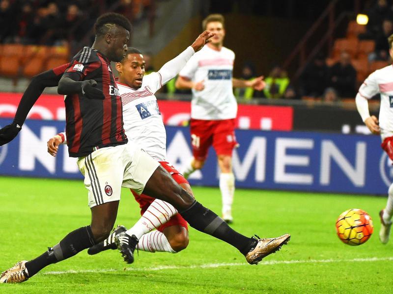 M'Baye Niang erzielt das 2:0 für Milan gegen Carpi
