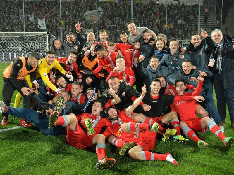 Die Alessandria-Profis feiern den Halbfinaleinzug