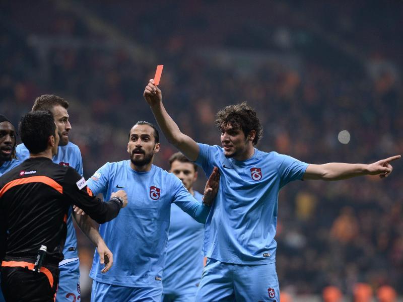 Salih Dursun zeigte dem Schiedsrichter die Rote Karte