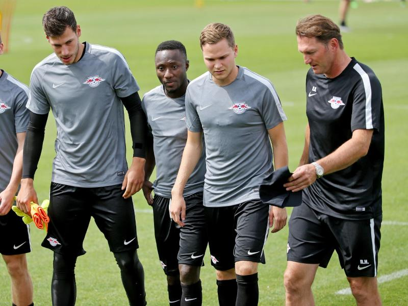 Ralph Hasenhüttl (r.) testete mit seinem Team gegen den Oberligisten 1. FC Frankfurt/Oder
