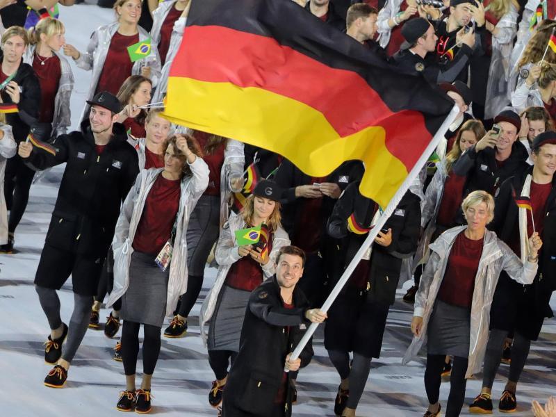Timo Boll war der Fahnenträger des deutschen Olympia-Teams