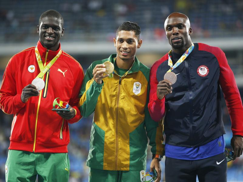 Kirani James (l.) holte für Grenada über 400 Meter Silber