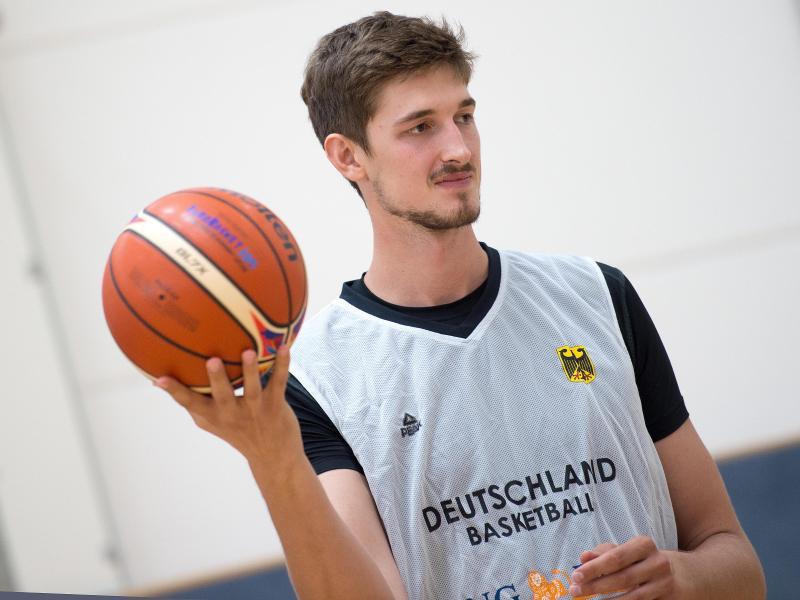 Tibor Pleiß hofft auf eine Rückkehr ins Nationalteam