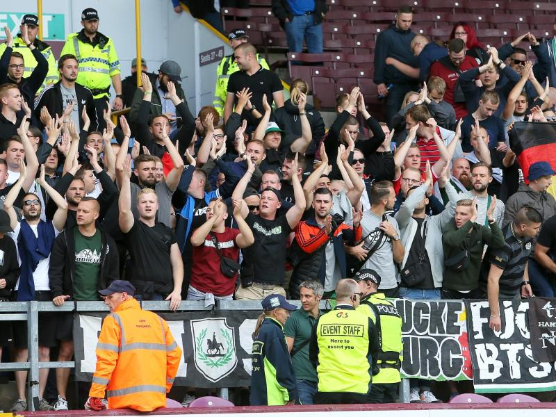 Fans von Hannover 96 beim Testspiel gegen den FC Burnley
