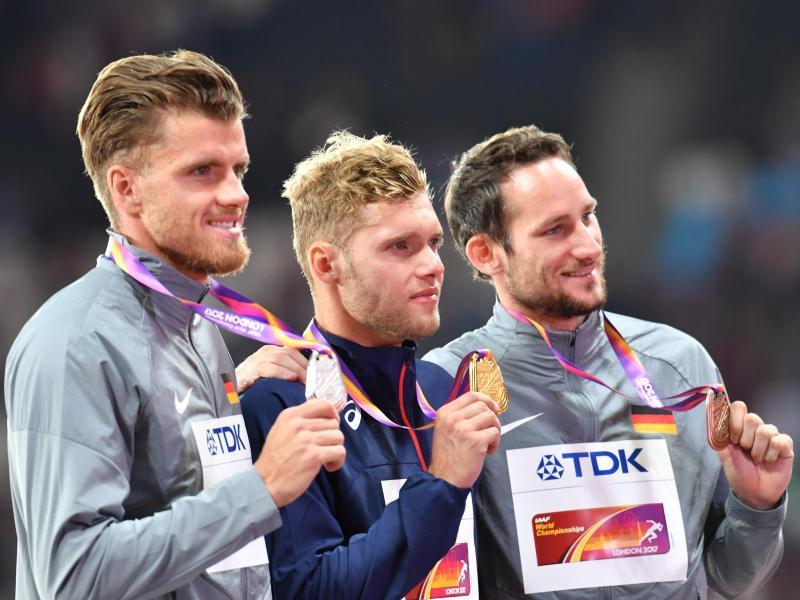 Silbermedaillengewinner Rico Freimuth (li.) setzt sich bereits die nächsten ziele