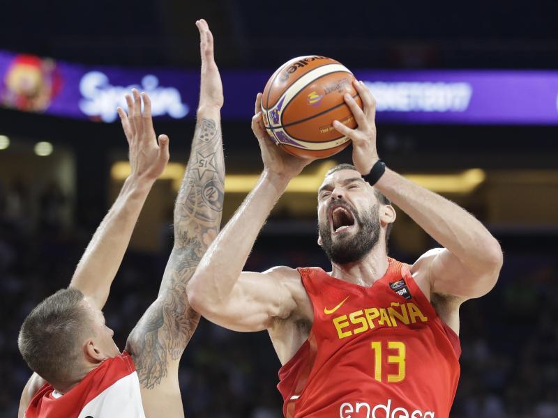 War mit Spanien eine Nummer zu groß für das DBB-Team: Marc Gasol (r.)
