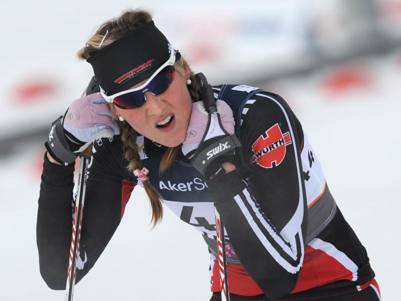 Die frühere Langläuferin Denise Herrmann hat den Biathlon-Massenstart in Ruhpolding gewonnen